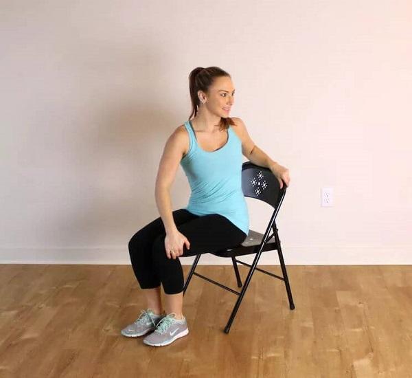 Скручивания на стуле